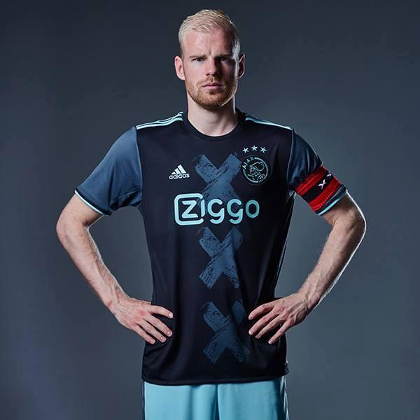 Ajax shirt uit 2016-2017