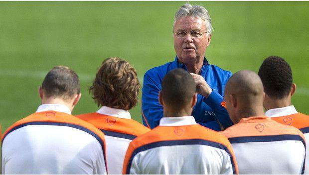 Guus Hiddink drama met Oranje