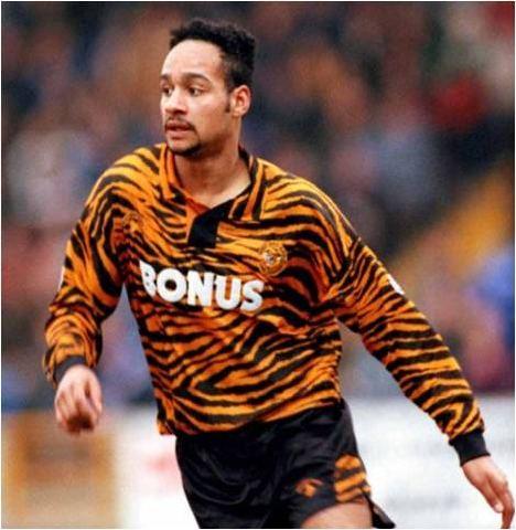 Hull City lelijk voetbalshirt tijgerprint